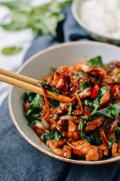 Thai Chicken Stir-fry with Basil & Mint is the answer to your weeknight dinners. This homemade Thai Chicken stir-fry is better than your local Thai takeout. Mint Recipes, Asian Recipes, Healthy Recipes, Ethnic Recipes, Healthy Breakfasts, Thai Food Recipes, Thai Basil Recipes, Healthy Snacks, Thai Curry Recipes