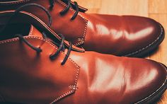 Most high-quality shoes are made of leather, just as they have been for many centuries. Leather is still the most popular material in making shoes because of Timberland, Lace Up Shoes, Men's Shoes, Dress Shoes, Men Dress, Traje Casual, Tonne, Brown Shoe, Your Shoes