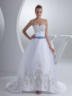Strapless Satin Ball Gown with Metallic Embroidery and Contrasting Belt Brands:TOSCAFreeship:YESFabric:Satin/Stretch SatinFabric(main):WeddingTailoring Time (Standard):15-20 DaysTailoring Time (Rush Order):10-15 DaysSilhouette:Ball GownNeckline:SweetheartShoulder…