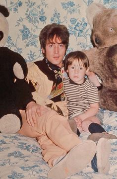 John and Julian Lennon.