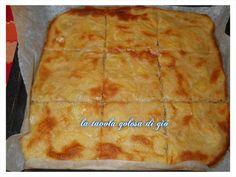 la pizza di patate è una pizza fatta senza l'ausilio di lievito.Si prepara in poco tempo e non ha particolari difficoltà nel realizzarla.