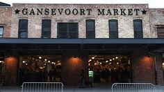 Located in the historic Meatpacking district of Manhattan, Gansevoort Market serves up food from some of NYC's most famous restaurants.