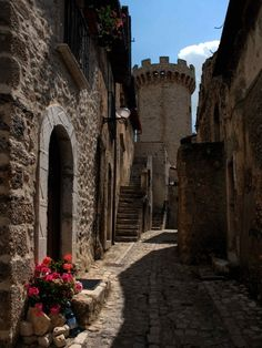Santo Stefano di Sessanio, Abruzzo. Medieval village on the edge of Gran Sasso National Park.