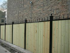 Fence idea for front of vacant lot.
