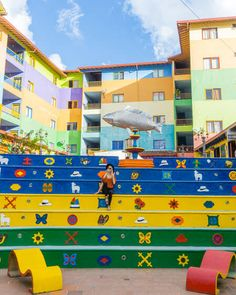 Planning a trip to Colombia? Discover 15 of the top attractions, sights and unusual things to see and do for travel in Colombia. Beautiful Places To Travel, Best Places To Travel, Wonderful Places, Places To Go, Trip To Colombia, Colombia Travel, Colourful Buildings, Beautiful Buildings, Great Smoky Mountains