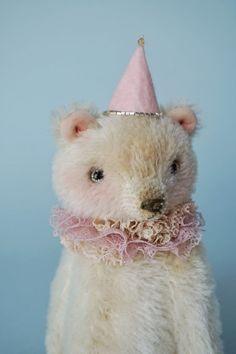 Sweet bear | Etsy Love Bear, Teddy Bear, Sweet, Animals, Beautiful, Etsy, Candy, Animales, Animaux