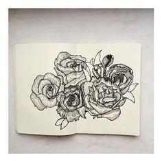 Flower power :cherry_blossom::bouquet: #illustration #illustrator #illustratorsoninstagram #etsy #print #monochrome #minimalism #drawing #pendrawing #sketch #sketchbook #tattooflash #tattoo #blacklines #linedrawing #pen #ink #flowers #flowersofinstagram #