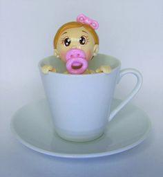 Xícara Chá de Bebê!!! Topo de bolo, lembrancinha... Xícara e pires de porcelana com escultura em biscuit.