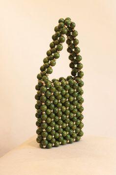 Beaded Clutch, Beaded Purses, Beaded Bags, Creative Bag, Diy Handbag, Beading Techniques, Leather Pieces, Pearl Color, Acrylic Beads