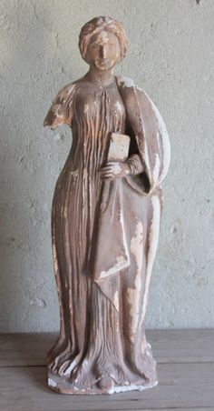 Beeld dame / Lady statue