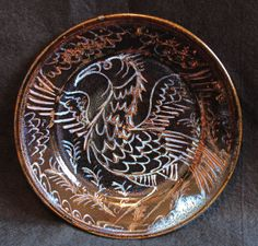 Bird plate, sgraffitto tenmoku ash glaze Stoneware, Glaze, Ash, Decorative Plates, Dishes, Bird, How To Make, Enamel, Gray