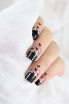 Marine Loves Polish: Nailstorming - Géométrie Variable - Bundle Monster BM-XL216 - negative space - graphic nails