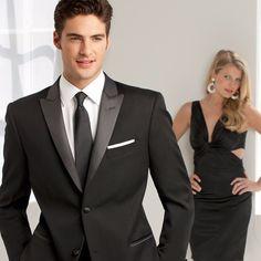 Peak Lapel Tuxedo Suit #ike #behar #ikebehar #helensbridal #helensbridalcenter #helensprivatecollection #tux #tuxedo #groom #groomsmen
