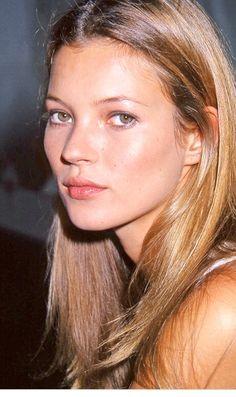 L'évolution beauté de Kate Moss