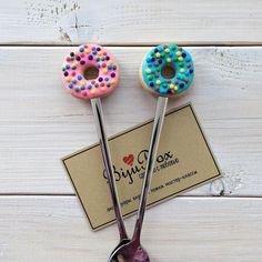 «Давно не делали пончики. А эти пончики уже на новых крутых ложечках да ещё и в сочных цветах #сделанослюбовью #ложка_bijubox63 #пончики #вкусныеложки…»