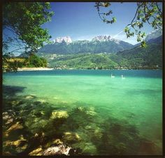 "Lac Annecy courtesy of ""The Natural Patriot"". C'est beau!"