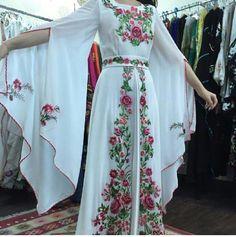 As Abaya Fashion, Indian Fashion, Fashion Dresses, Sleeves Designs For Dresses, Dress Neck Designs, Mode Abaya, Mode Hijab, Pakistani Dresses, Indian Dresses