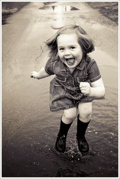 How you should feel when it rains Love Fashion Love Vintage: Freedom in Movement and Photos