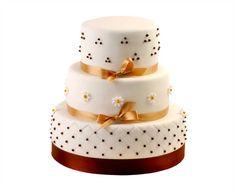 Svatební dort 31 Třípatrový svatební dort, o rozměrech 18 cm, 24 cm a 32 cm, obalen fondánem, dozdoben fondánovými kytičkami a saténovými stuhami Cake, Food, Pie Cake, Pie, Cakes, Essen, Yemek, Meals, Cookie