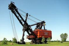Big Brutus (Near Parsons).  World's largest existing Earth moving shovel.