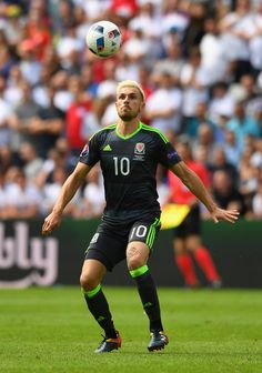 7039d28e1 Aaron Ramsey of Wales in action during the UEFA Euro 2016 Group B match  between England