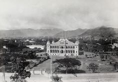 Iolani Palace in Oahu from 1889. Iolani Palace is the only royal palace in the United States that was used as an official residence by a reigning monarch and is a National Historic Landmark listed on the National Register of Historic Places. #5StarFlashback