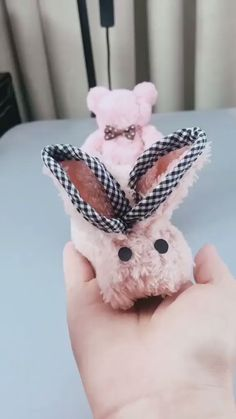 DIY Handmade Cute Towel Rabbit - knitting is as easy as 3 knitting . - art - DIY Handmade Cute Towel Rabbit Knitting is as easy as 1 2 3 knitting Best Picture For jewelry ring - Diy Home Crafts, Creative Crafts, Crafts For Kids, Velvet Dolls, Towel Animals, Towel Crafts, Diy Ostern, Cute Diys, Easter Crafts