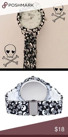 🔻Skull pattern watch Sale🔻 Black and white skull pattern watch with buckle clasp. Watch face 1 1/2 inches. Band approximately 9 inches. Was $18 now $14 firm Accessories Watches