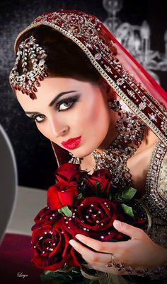 Makeup by Sukhi Sanghera Mehndi, Henna, Indian Bridal Makeup, Asian Bridal, Sari, Bollywood, Braut Make-up, Bride Makeup, Wedding Wear