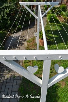 Modest Home & Garden: Építsünk ruhaszárítót! / Let's build a clothes dryer! Outdoor Seating, Outdoor Spaces, Outdoor Living, Outdoor Decor, Outdoor Clothes Lines, Outdoor Laundry Lines, Diy Clothesline Outdoor, Summer Garden, Home And Garden