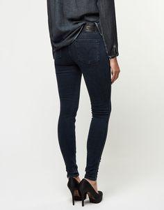 Koop Jeans - Line 8 The Ringer Stoned Blue Online op shop.brothersjeans.nl voor slechts € 74,95. Vind 15 andere Levi's producten op shop.brothersjeans.nl.
