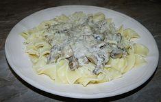 Paste tagliatelle cu sos alb ciuperci