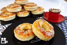 Açma (Yumuşacık) - Nefis Yemek Tarifleri - deniz su Greek Cooking, Cooking Time, Croissants, Bagel, Doughnut, Food And Drink, Bread, Homemade, Breakfast
