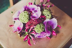 Tropical Asian inspired wedding flowers. Photography by www.andywardle.com