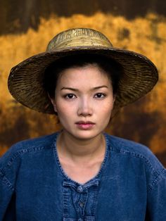 Thailand | Steve McCurry   world people. people photography, world people, faces