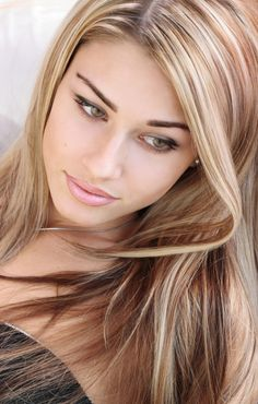 Light Brown Hair Color with Blonde Highlights. @Breonna Camarena You should do your hair this color again!