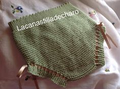 LA CANASTILLA DE CHARO: CUBRE PAÑAL- BRAGA, BASICO 0-3 MESES Knitting For Kids, Baby Knitting, Crochet Baby, Knit Crochet, Knitted Baby Clothes, Knitted Hats, Tricot Baby, Baby Pants, Diaper Covers