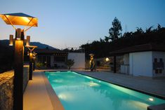 Quinta da Cumieira Bed and Breakfast in Portugal  | Pool by night