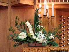 Daum 블로그 - 이미지 원본보기 Church Flower Arrangements, Church Flowers, Funeral Flowers, Table Arrangements, Floral Arrangements, Altar Decorations, Centerpieces, Funeral Tributes, Table Flowers