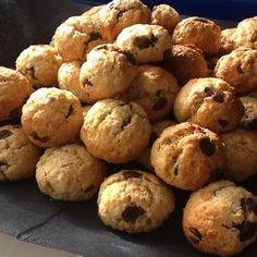 Aprende a preparar bolitas de galleta con chocolate con esta rica y fácil receta.  Aprende a preparara unas galletas muy originales sin ensuciar casi nada. Estas...