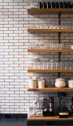 Inside Haven's Kitchen Founder Alison Cayne's Kitchen - Coveteur Open Plan Kitchen, Kitchen Dining, Kitchen Cabinets, Kitchen Ideas, Kitchen Trends, Cupboards, Kitchen Decor, Making Mattresses, Havens Kitchen