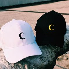 Stylish Caps, Cute Caps, Foto Blog, Hat Embroidery, Embroidered Baseball Caps, Tumblr Fashion, Cool Hats, Kawaii Clothes, Dad Hats