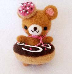 Kawaii Needle Felt Bear Donut, Miniature Bear, Needle Felt Bear Doll, Miniature Doll, Cute Bear Doll
