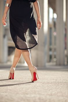 """Another pair of Louboutins on my """"shoe bucket list"""" - nude pumps!"""