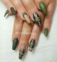 Camouflage nails by @karaleenails