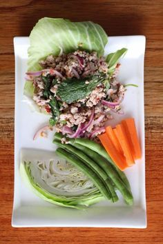 Samui Thai Bistro is located in at the top of the hill in Manuel Antonio at the Los Altos Plaza and one of the best thai restaurant in costa rica. Best Thai Restaurant, Bistro Restaurant, Thai Place, Puntarenas, Thai Dishes, Fine Dining, Costa Rica, Cabbage, Yummy Food