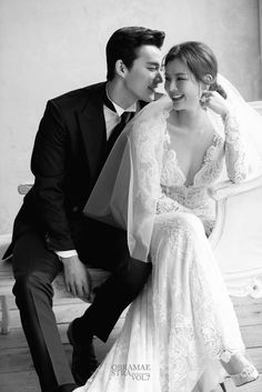 Pre Wedding Poses, Wedding Couple Photos, Pre Wedding Photoshoot, Wedding Pics, Wedding Dresses, Korean Wedding Photography, Wedding Couple Poses Photography, Wedding Photography Inspiration, Wedding Portraits