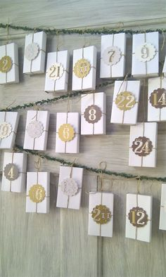 christmas - several diy ideas for very cute homemade advent calendars (open in chrome for translation) Christmas Countdown, Christmas Calendar, Noel Christmas, Christmas Humor, Winter Christmas, Christmas Crafts, Xmas, Advent Calenders, Diy Advent Calendar