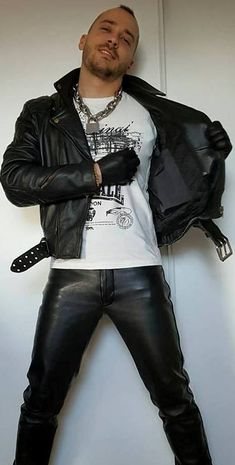 Mens Leather Pants, Neck Chain, Leather Harness, Clothing Items, Hot Guys, Fantasy, Sexy, How To Wear, Jackets
