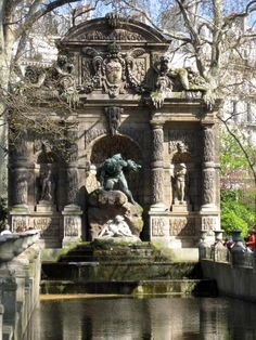 Polyphemus surprising Acis and Galatea at Médicis Fountain, Jardin du Luxembourg, Paris (CW18)
